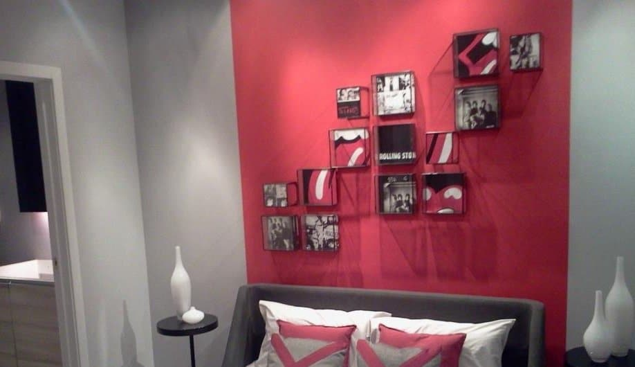 Posts related to accent wall ideas for bedroom randomnies - Bedroom with red accent wall ...