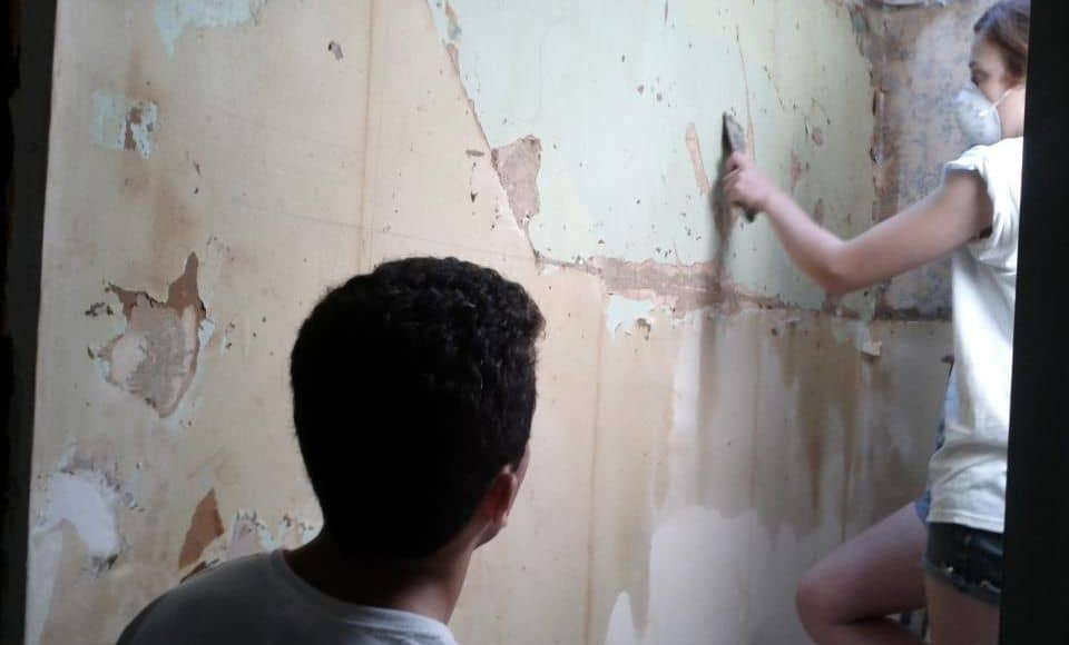 Toronto wallpaper removal services ecopainting for How hard is it to remove wallpaper